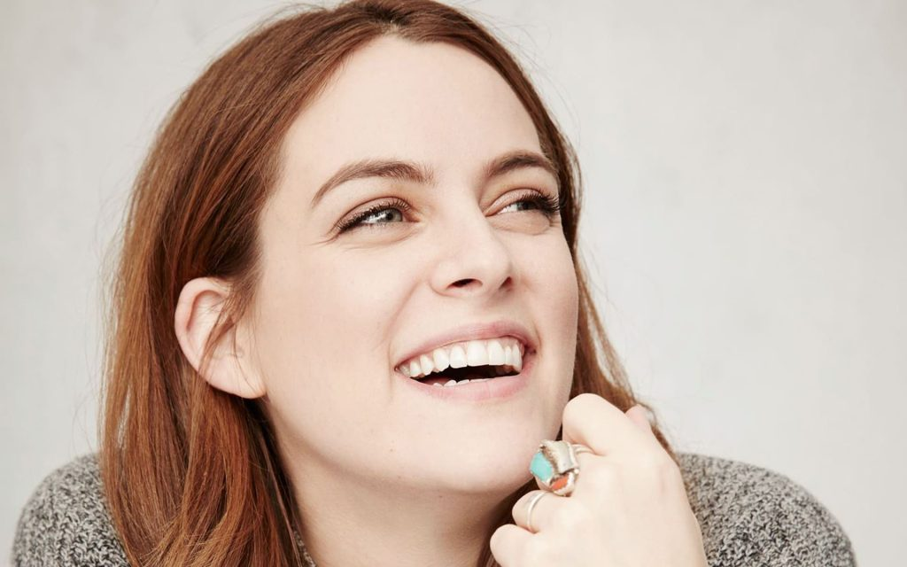 riley keough smile wallpapers