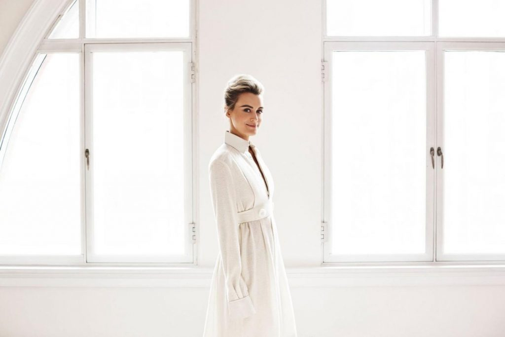 taylor schilling computer wallpapers