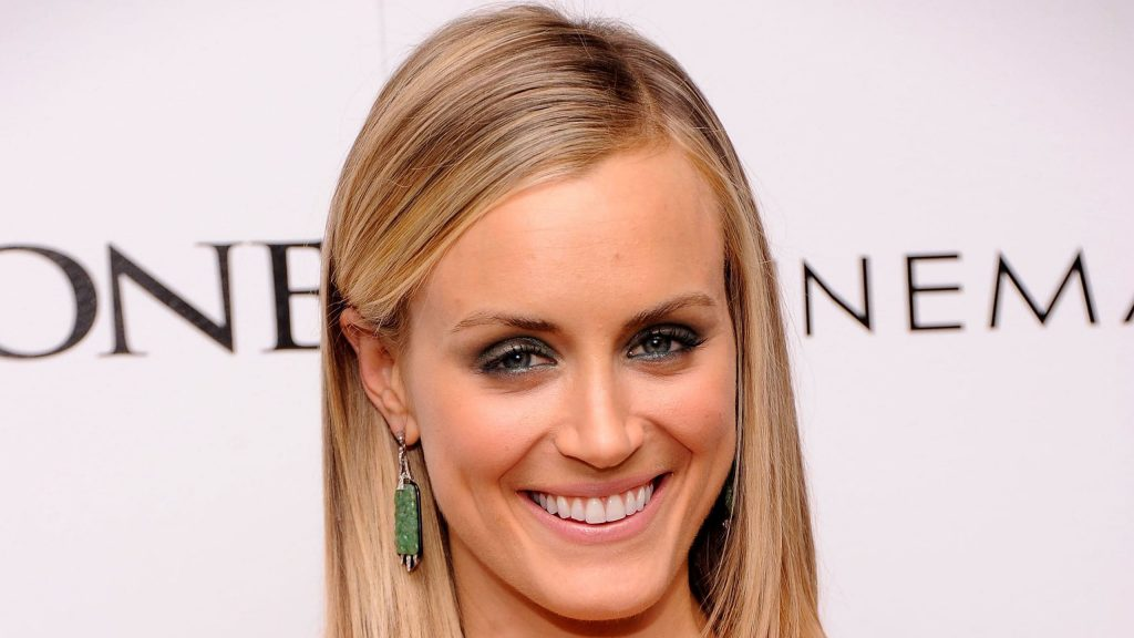 taylor schilling smile widescreen wallpapers