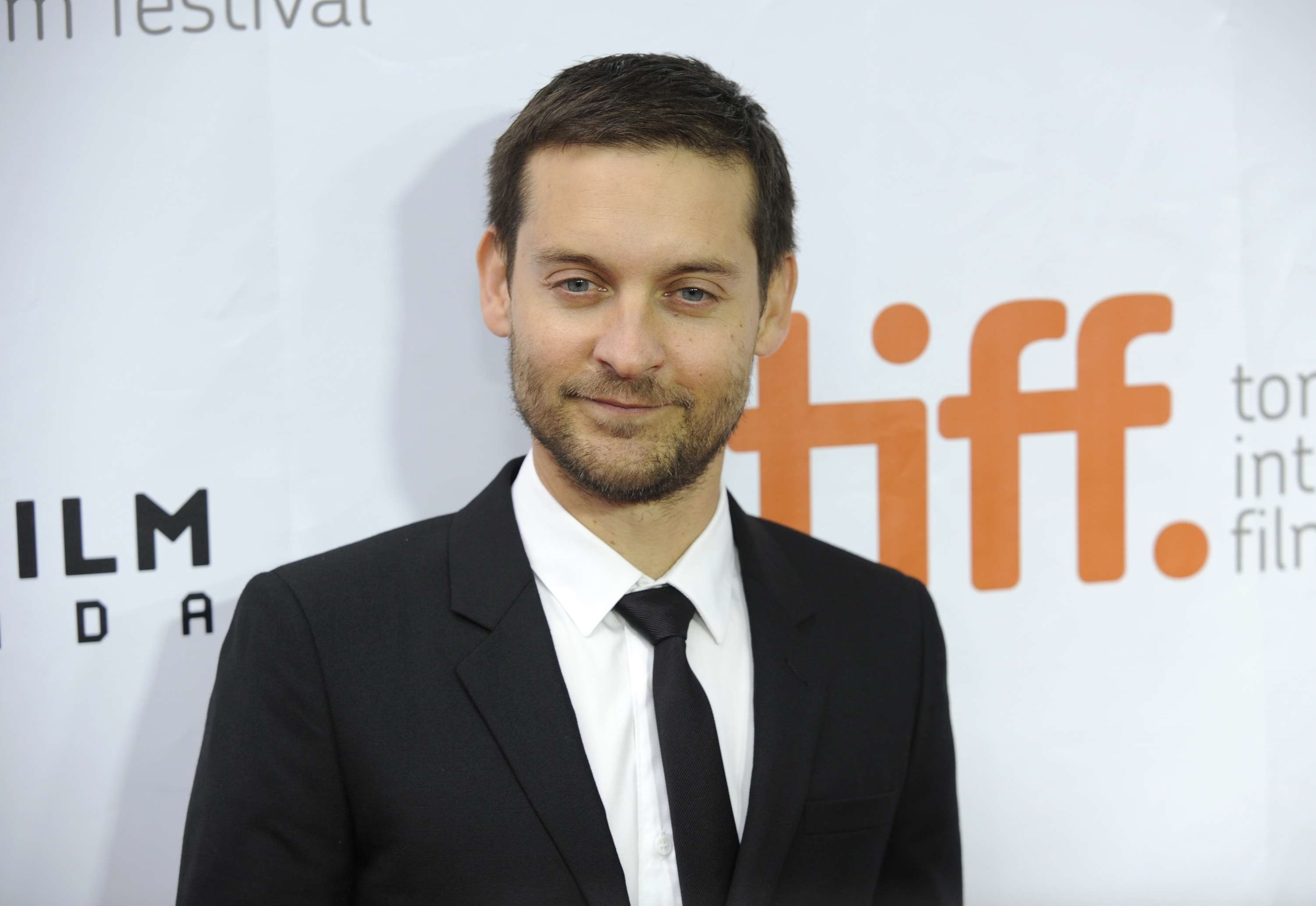 5 HD Tobey Maguire Wal... Tobey Maguire