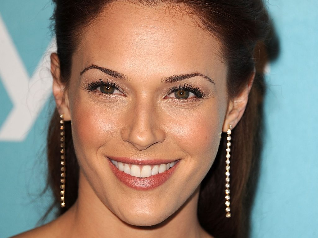 amanda righetti celebrity wallpapers