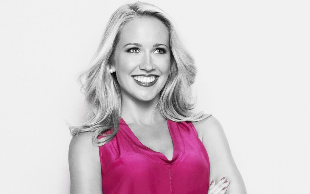anna camp smile wallpapers