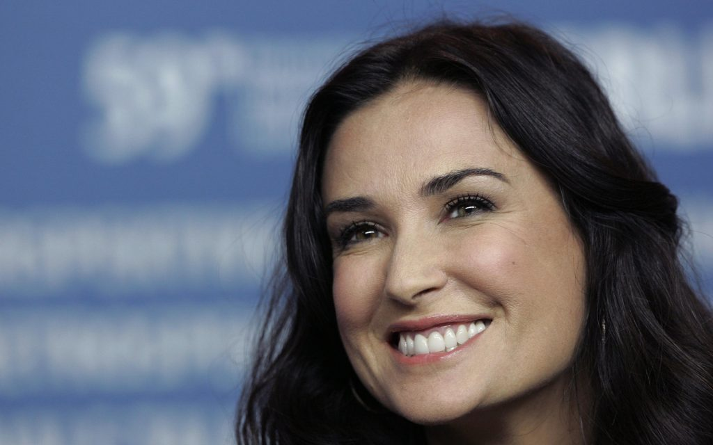 demi moore smile wallpapers