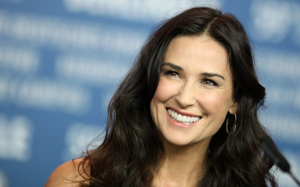 demi moore background wallpapers
