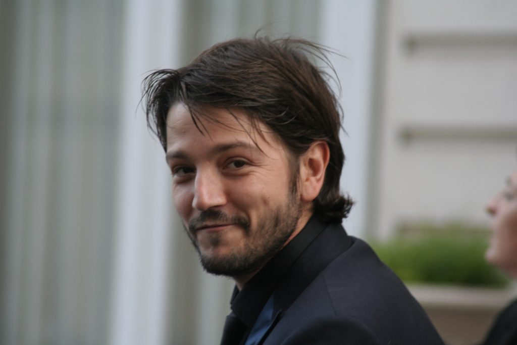 diego luna celebrity pictures wallpapers