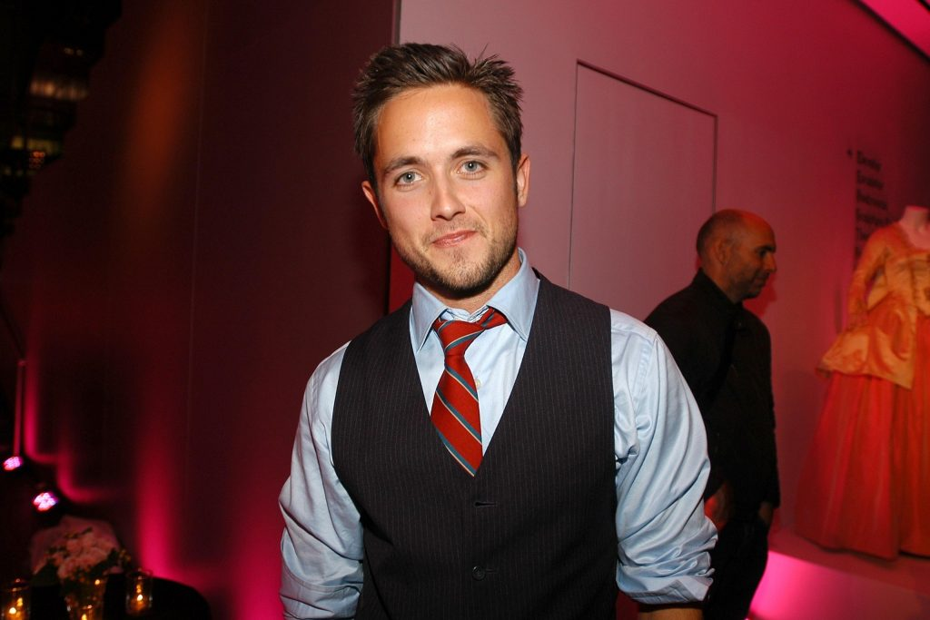 justin chatwin background wallpapers