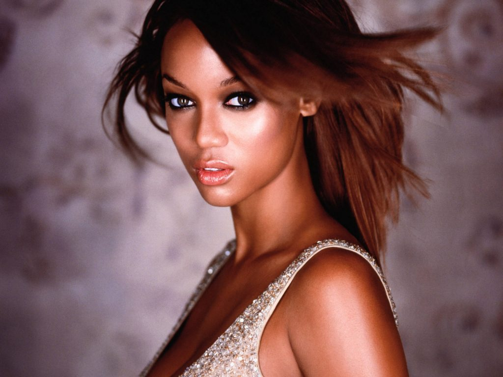 sexy tyra banks computer wallpapers
