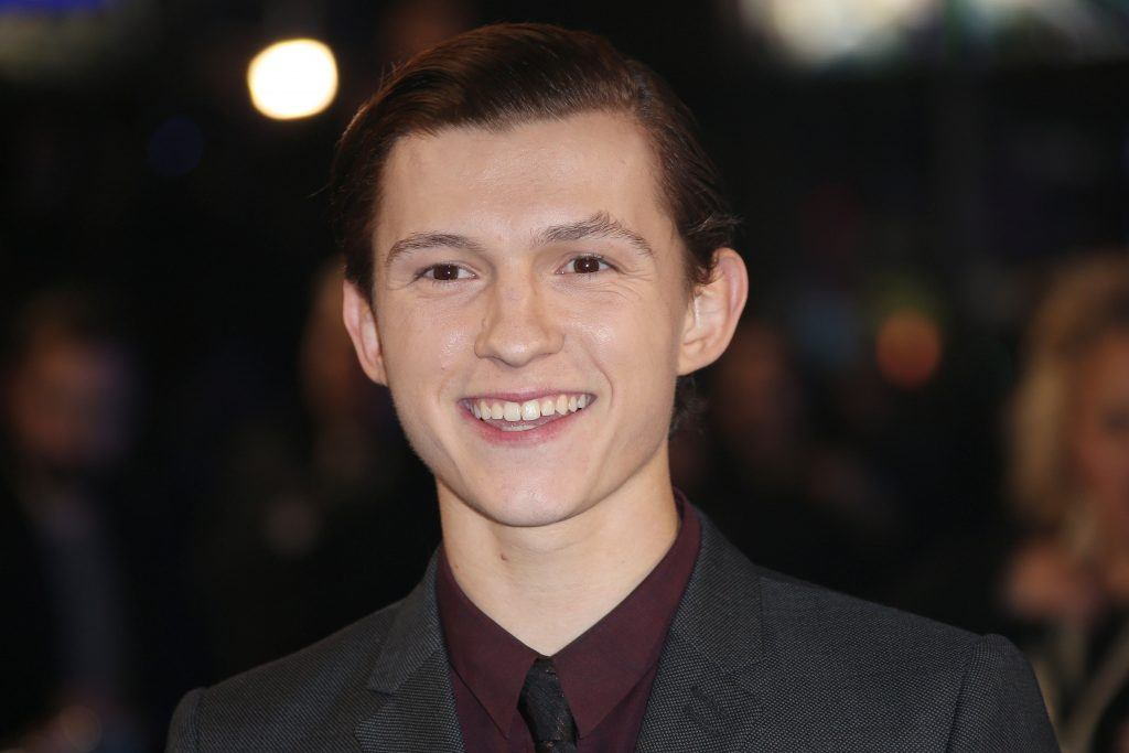 tom holland smile wallpapers
