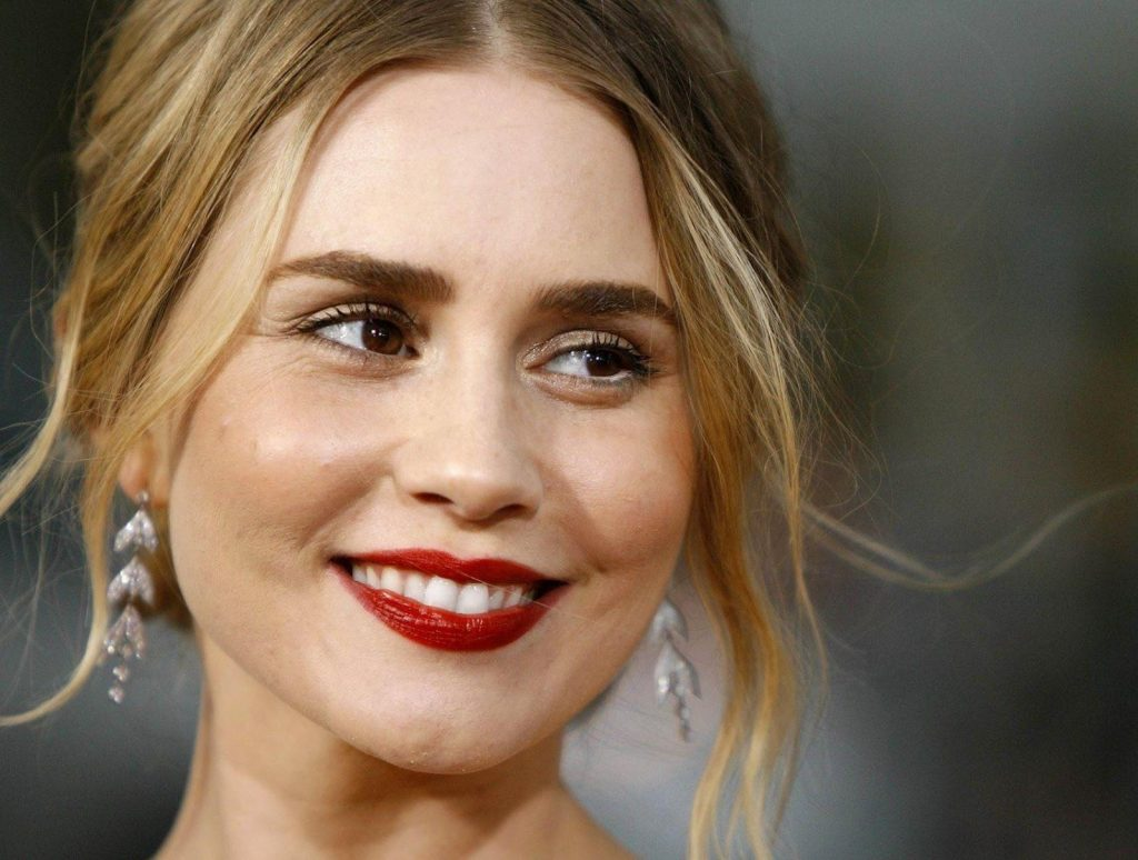 alison lohman smile wallpapers