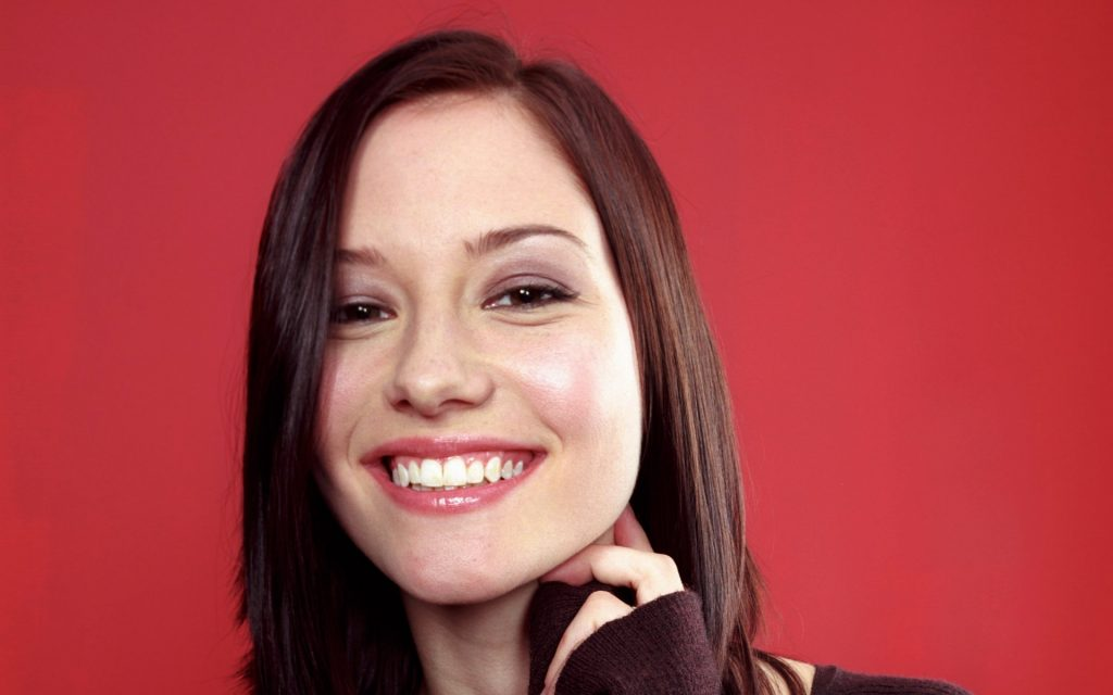 chyler leigh smile wallpapers