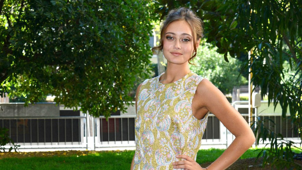 ella purnell actress pictures wallpapers