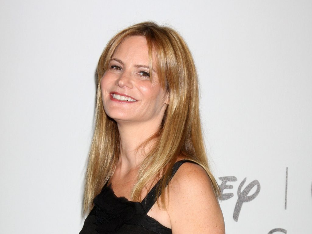 jennifer jason leigh smile pictures wallpapers