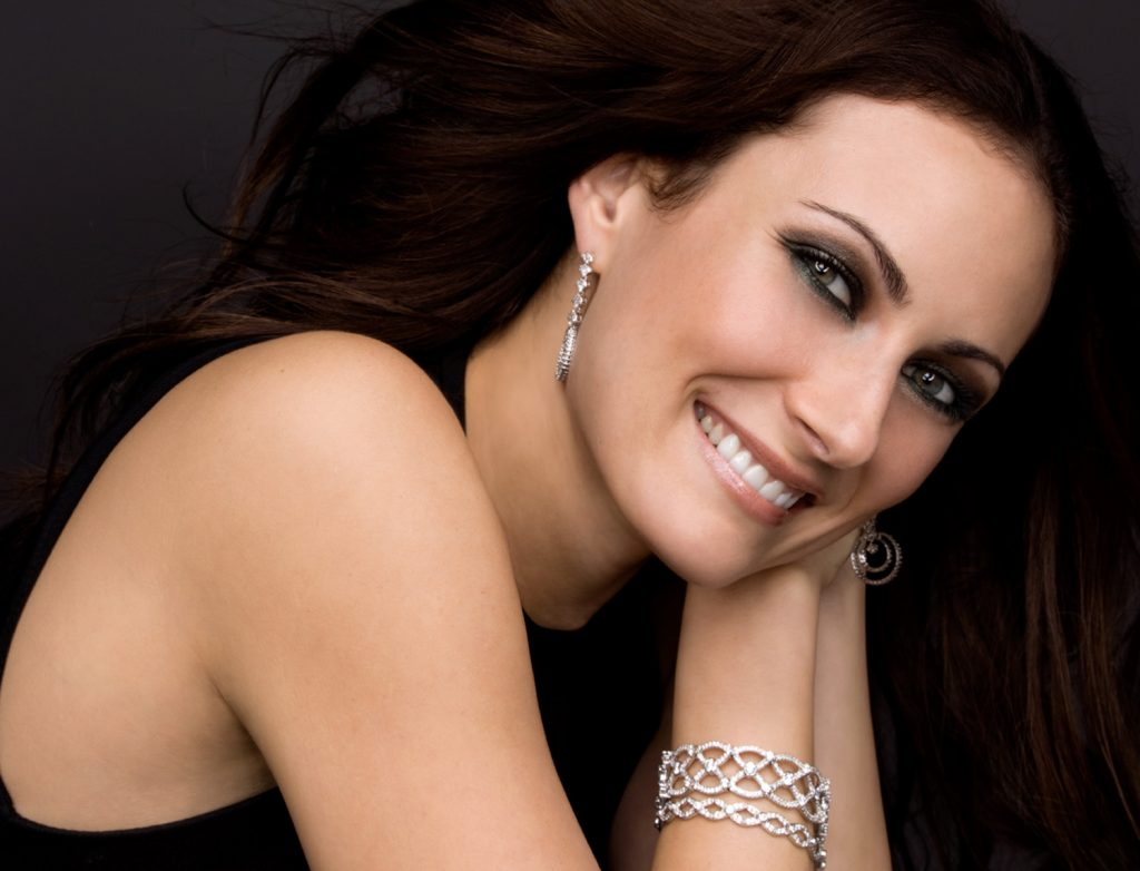 laura benanti wallpapers