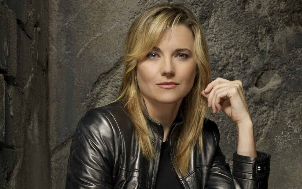 lucy lawless desktop wallpapers
