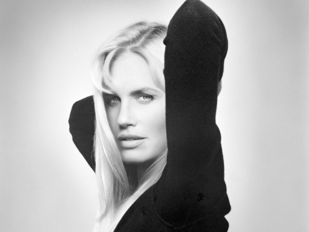monochrome daryl hannah wallpapers