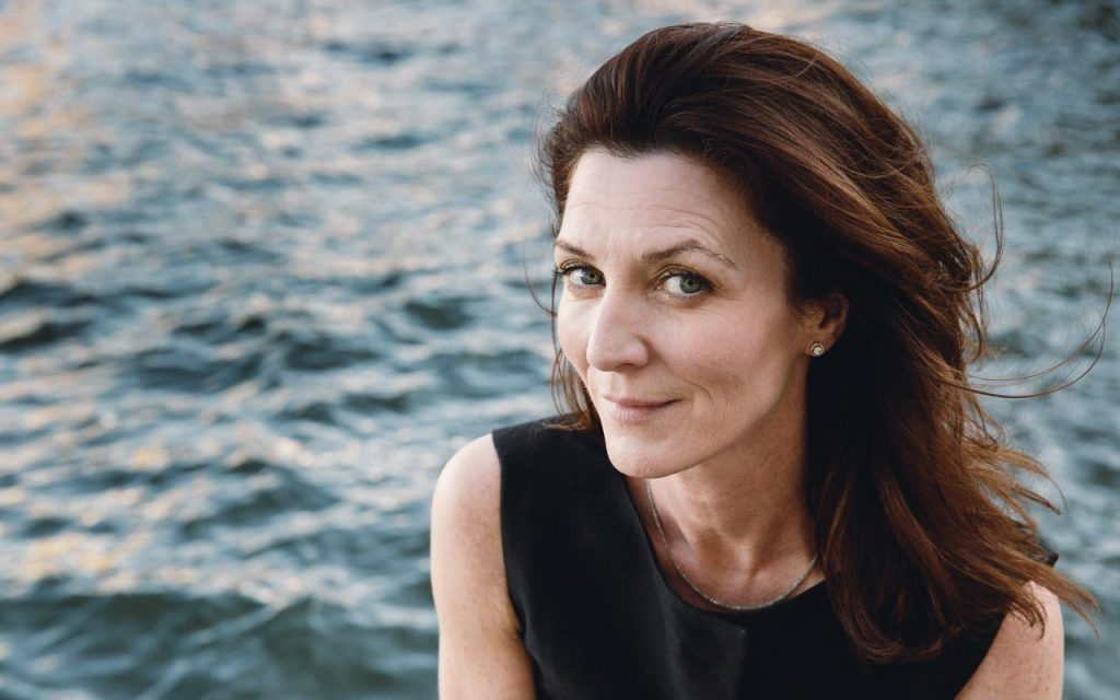 Michelle Fairley Wallpapers