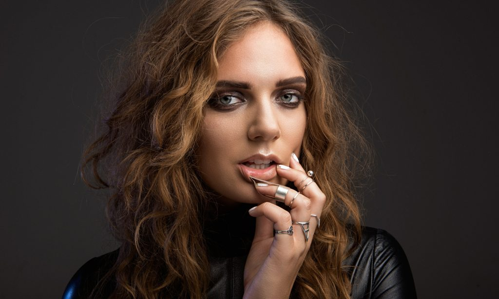 Tove Lo Wallpapers