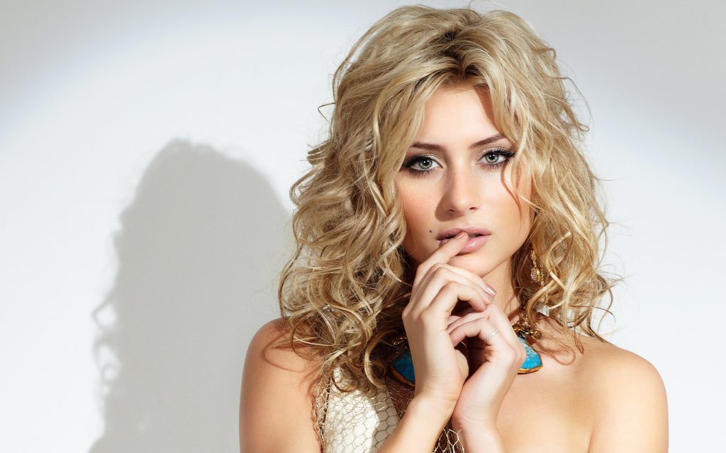 Aly Michalka Wallpapers