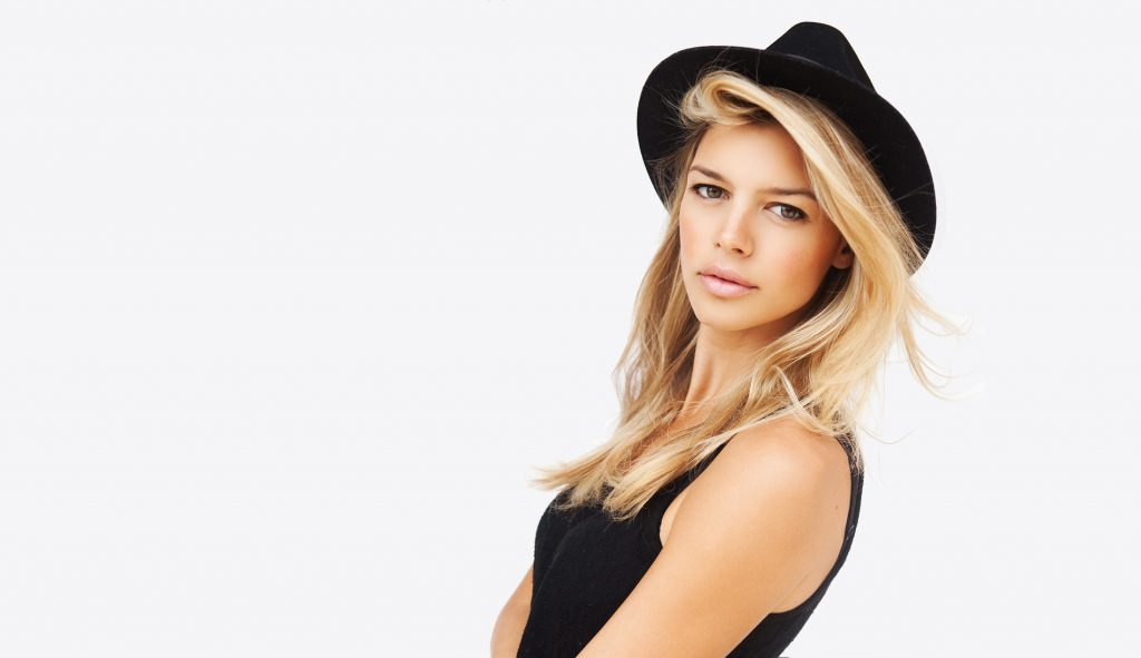Kelly Rohrbach Wallpapers