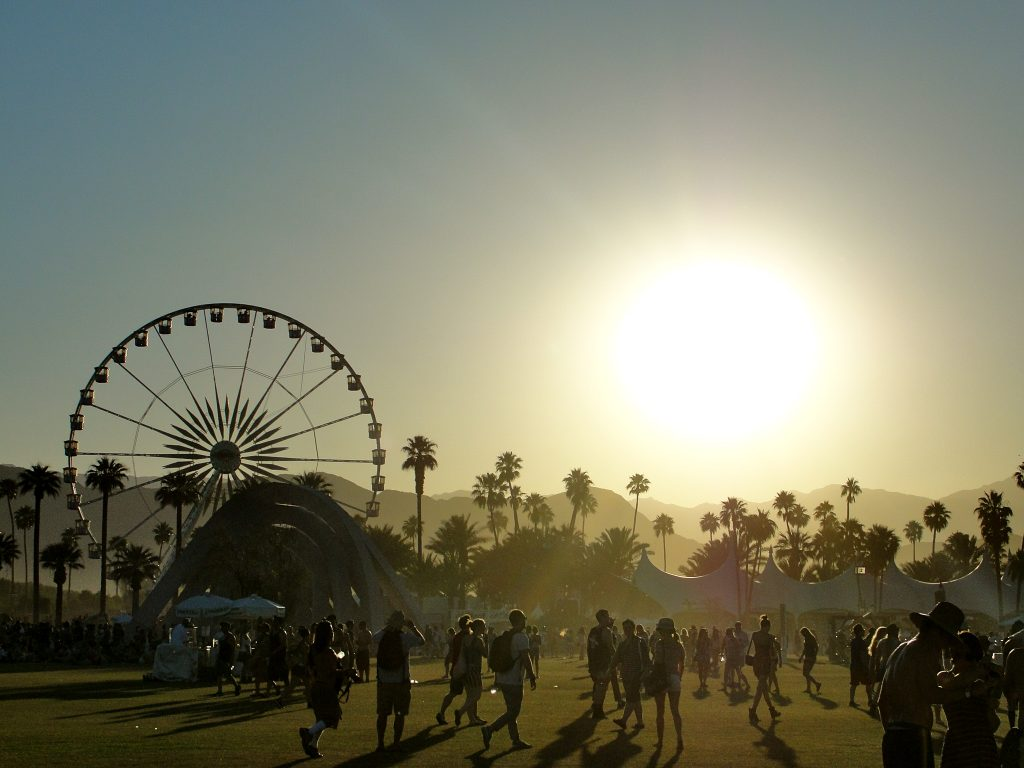 2 hd coachella festival wallpapers for Looking for wallpaper