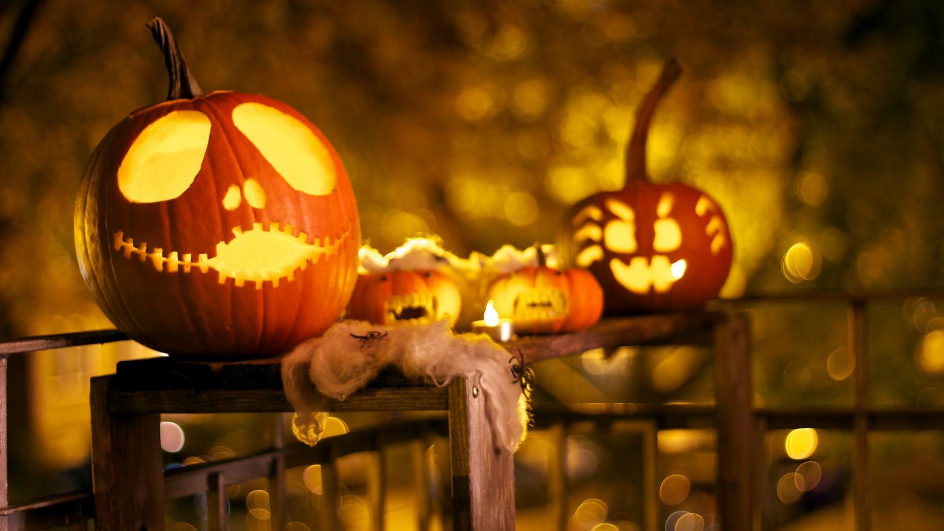15 Wonderful HD Halloween Wallpapers