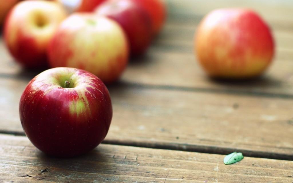 apples-wallpaper-43076-44103-hd-wallpapers