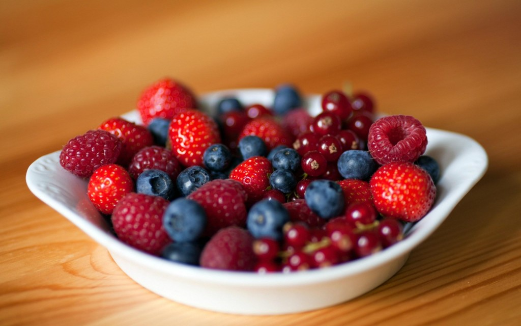 berries-and-currants-wallpaper-44072-45172-hd-wallpapers