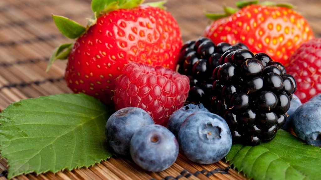 mixed-berries-wallpaper-44424-45549-hd-wallpapers