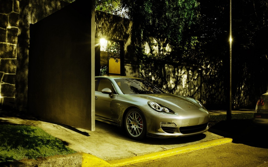 porsche-panamera-wallpaper-39207-40110-hd-wallpapers