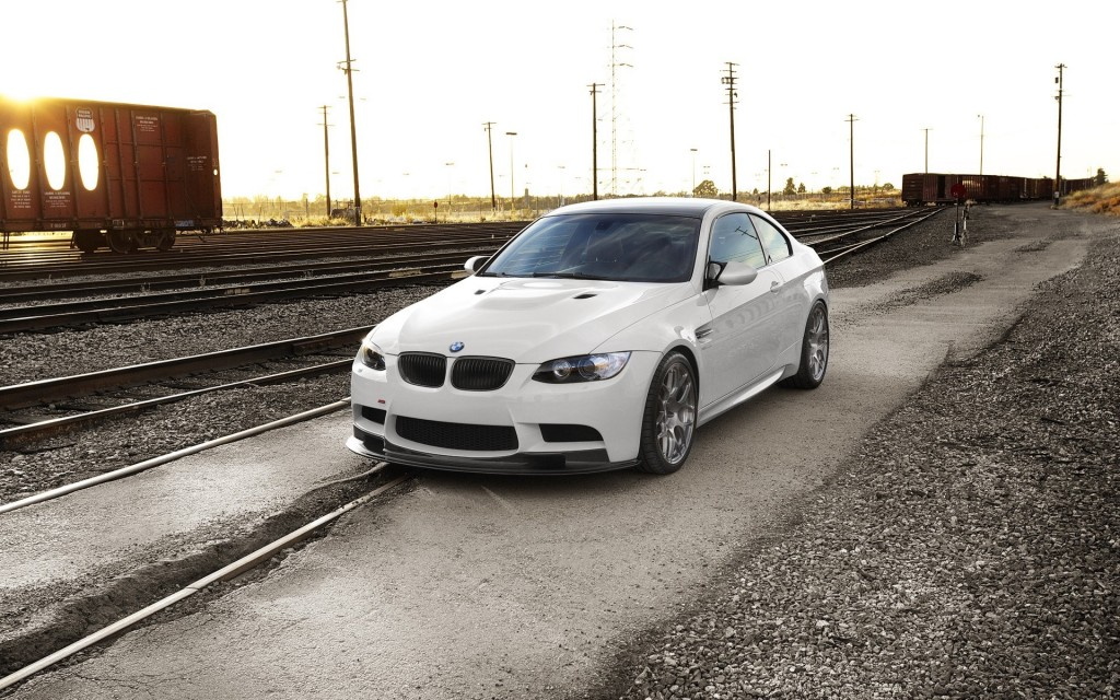white-bmw-hd-32601-33348-hd-wallpapers