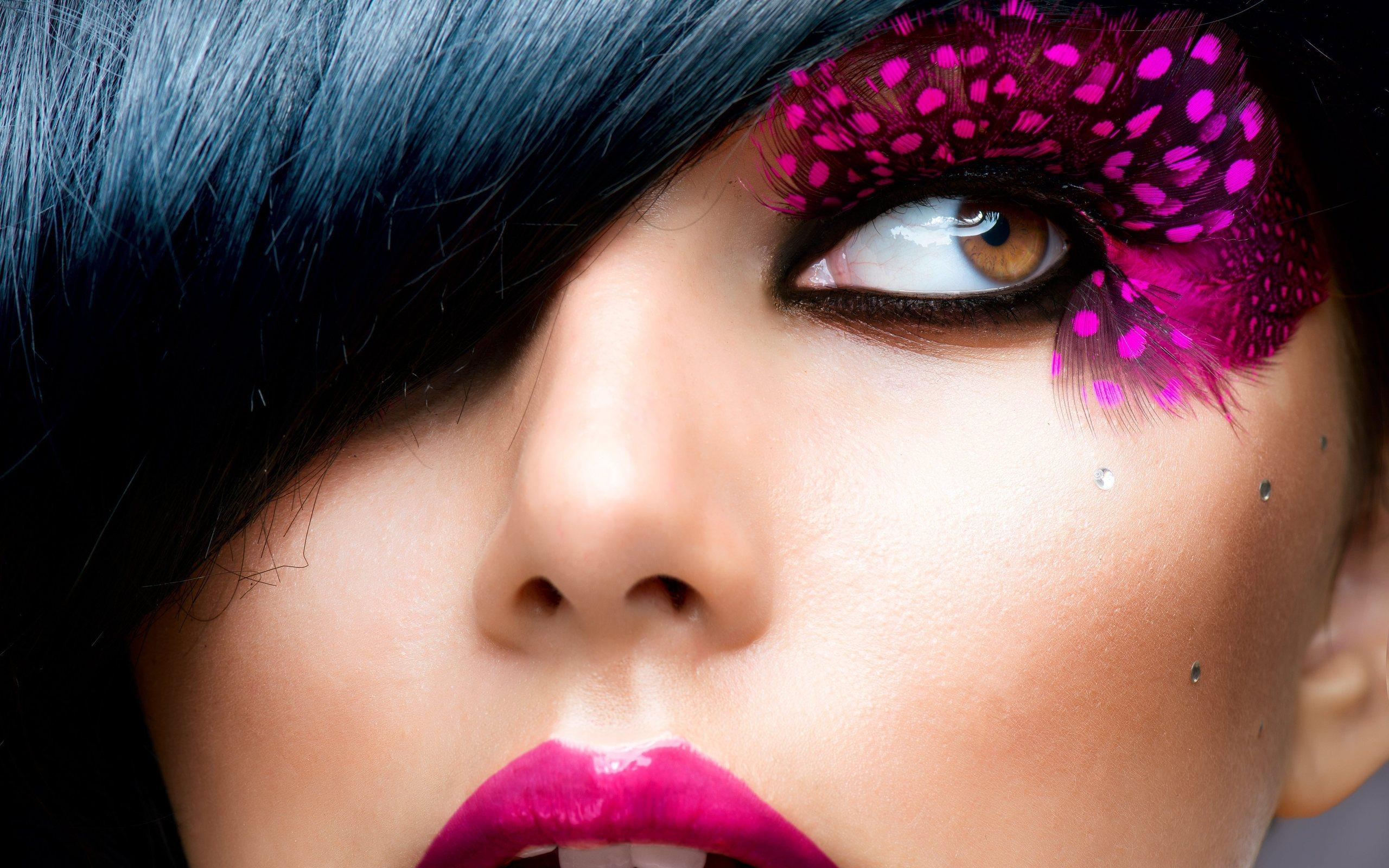 20 Fantastic HD Makeup Wallpapers