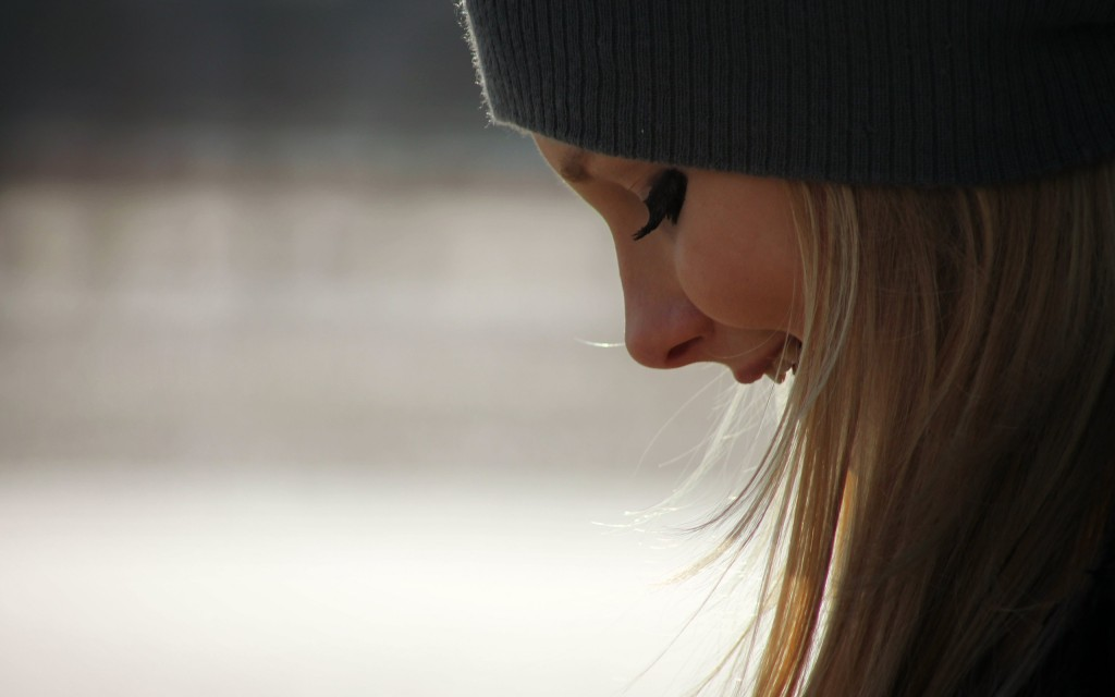 blonde girl beanie wallpapers