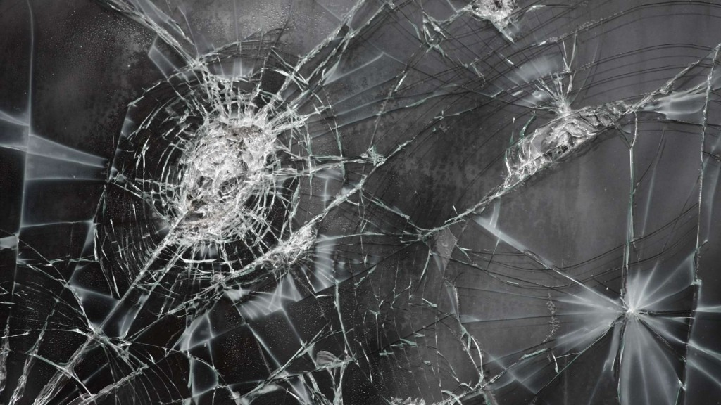 broken-glass-wallpaper-43520-44577-hd-wallpapers