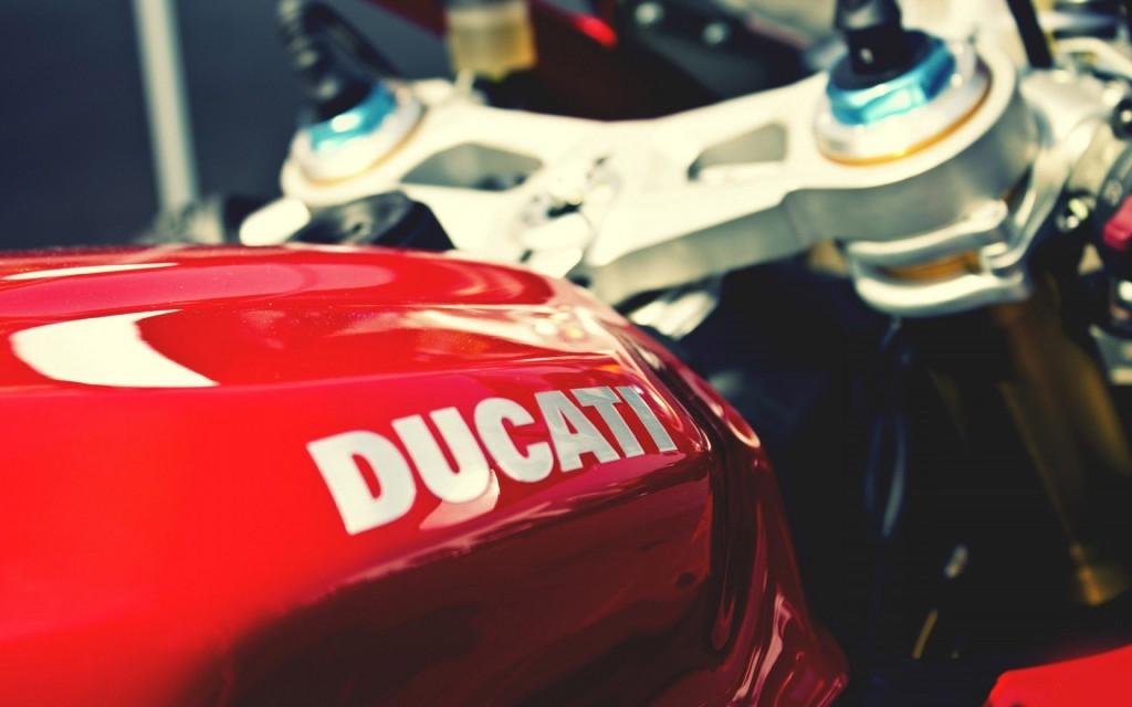 ducati-bike-close-up-wallpaper-45745-47013-hd-wallpapers