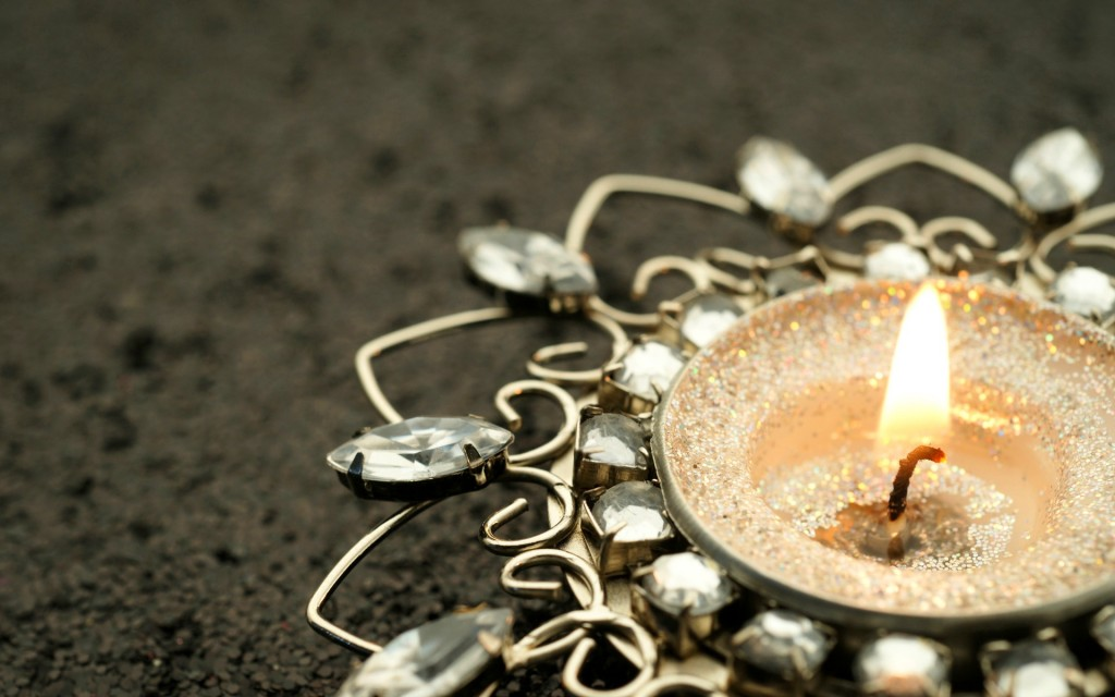 beautiful-candle-wallpaper-41072-42043-hd-wallpapers