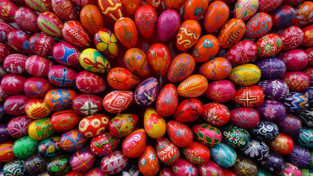 colorful-easter-eggs-28242-28964-hd-wallpapers