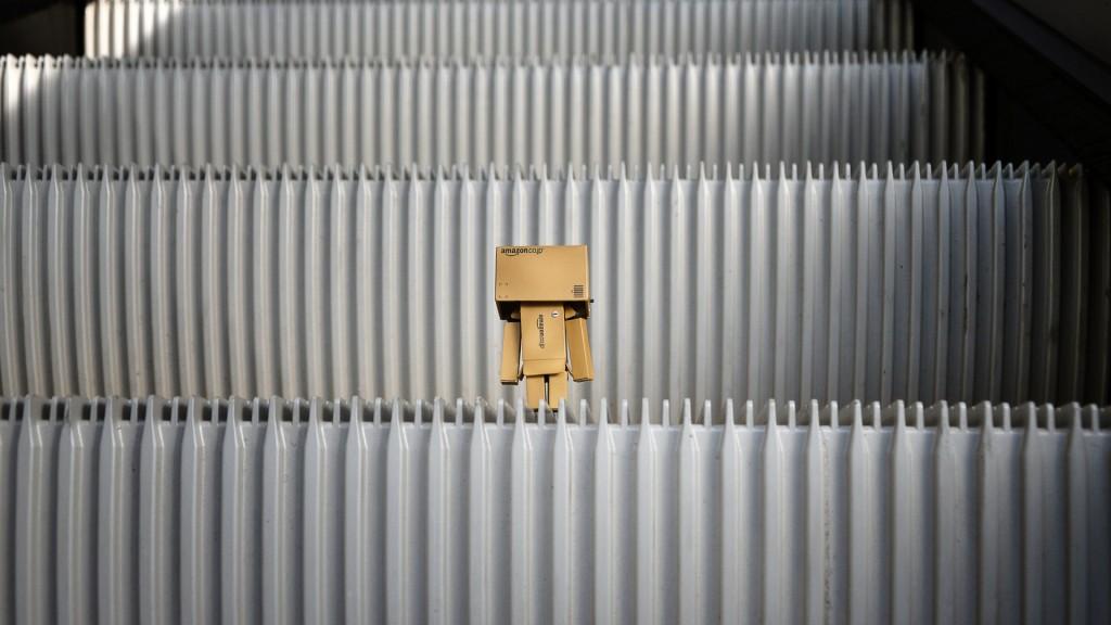 danbo-escalator-wallpaper-49171-50834-hd-wallpapers