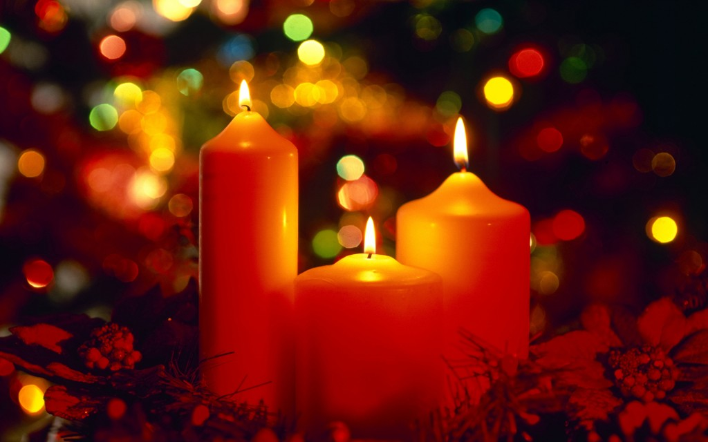 free-christmas-candles-wallpaper-41076-42047-hd-wallpapers