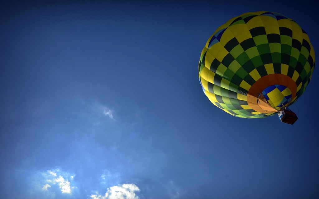 hot-air-balloon-desktop-wallpaper-48989-50637-hd-wallpapers