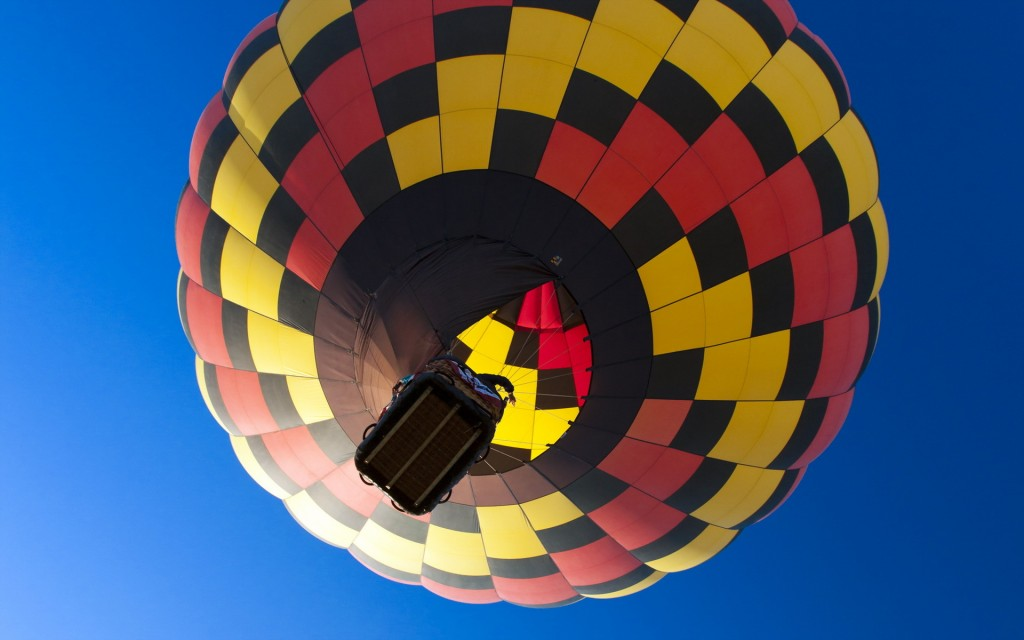 hot-air-balloon-desktop-wallpaper-48990-50638-hd-wallpapers