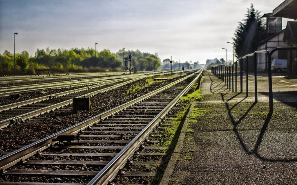 train-track-37969-38839-hd-wallpapers