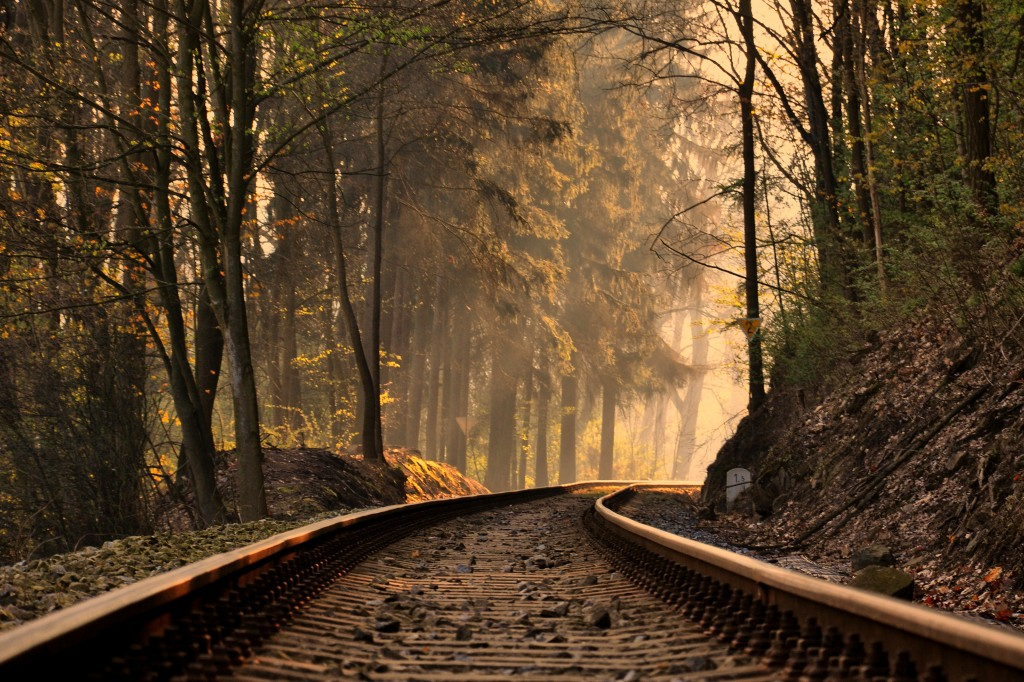 train-track-background-37958-38828-hd-wallpapers