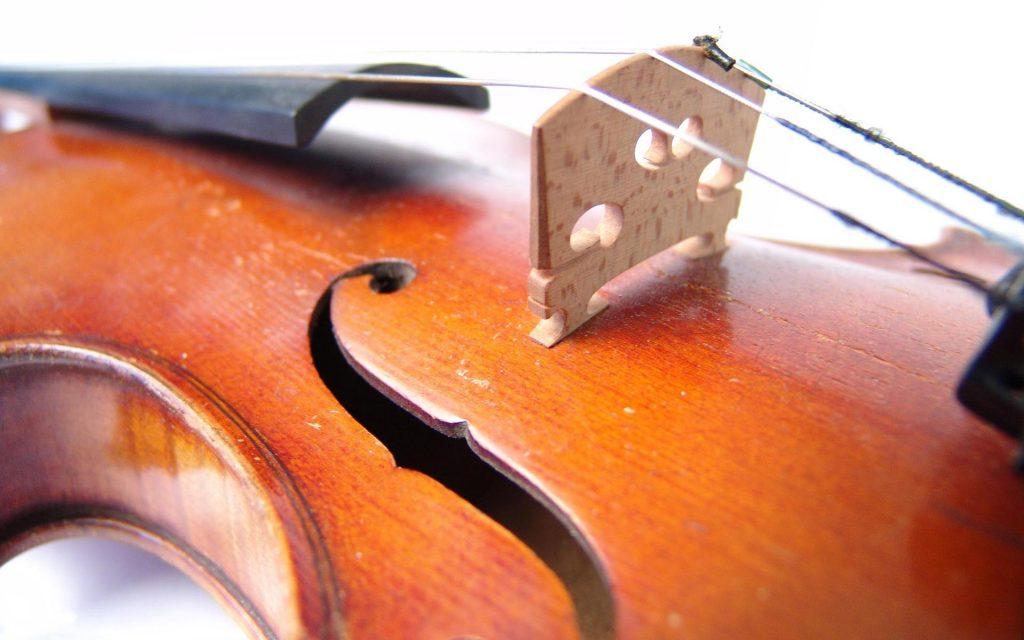 violin up close wallpapers