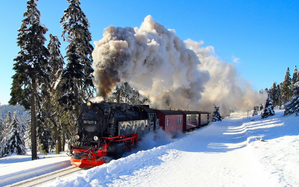 winter-locomotive-background-40762-41715-hd-wallpapers
