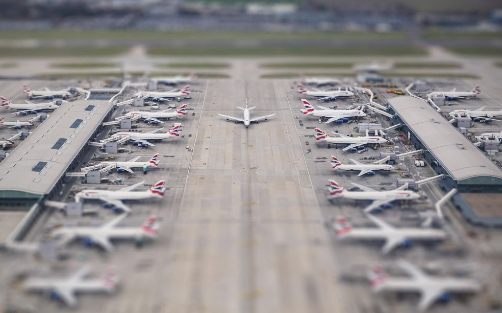 airport-tilt-shift-wallpaper-50128-51815-hd-wallpapers