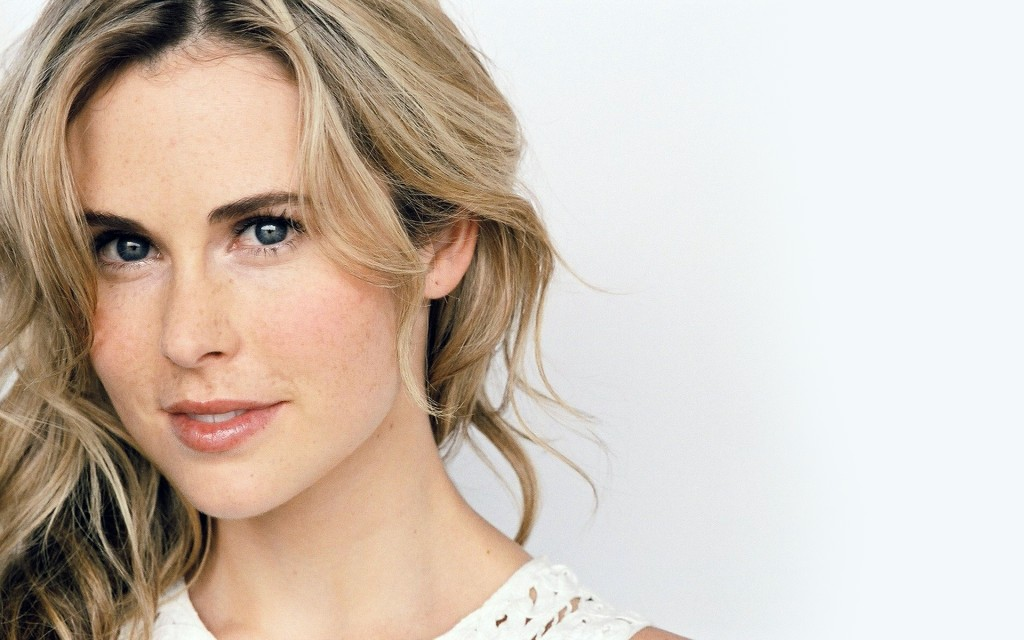 anna hutchison wallpapers