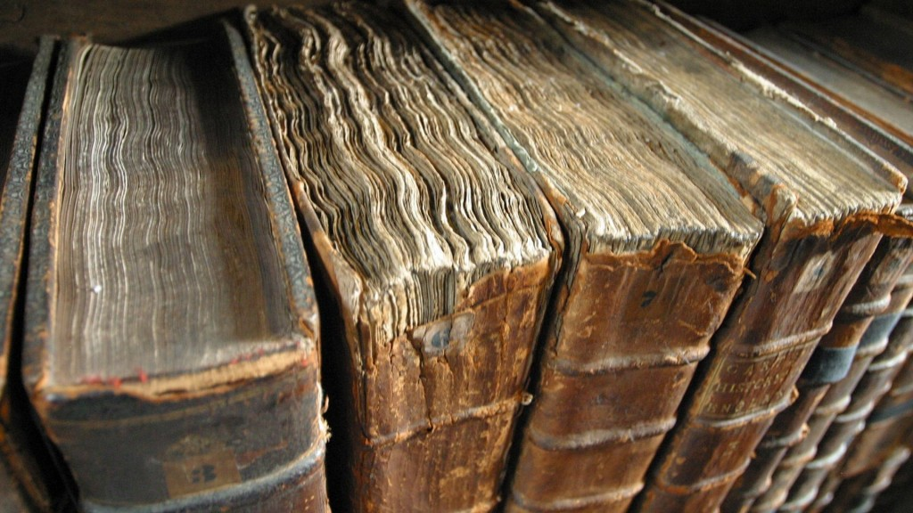 antique-books-wallpaper-49797-51476-hd-wallpapers