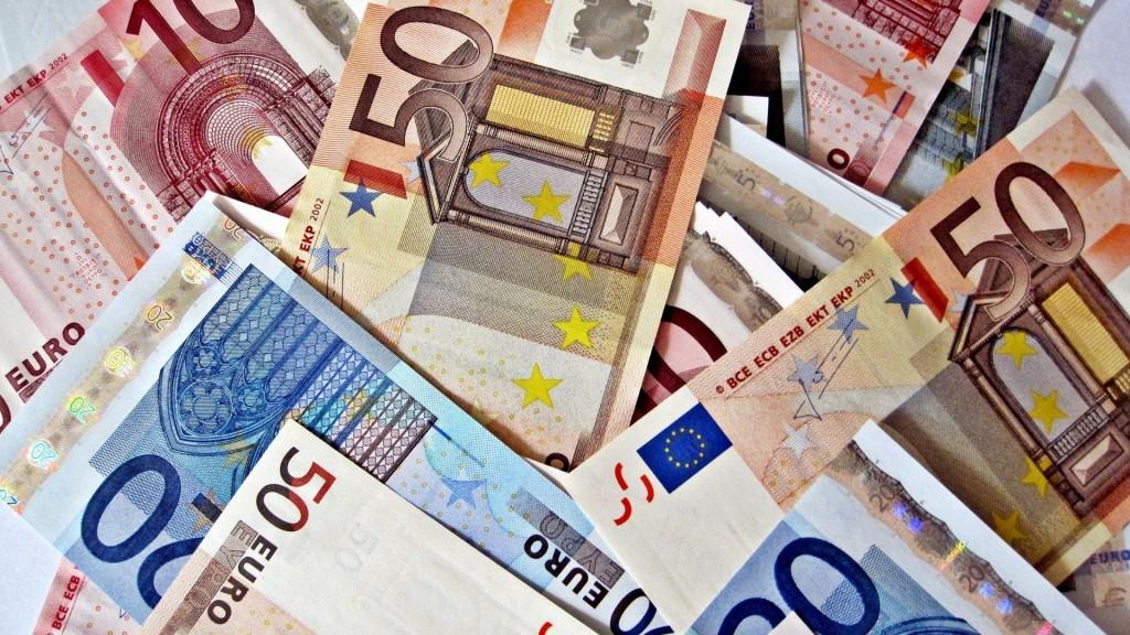 currency-desktop-wallpaper-49529-51204-hd-wallpapers