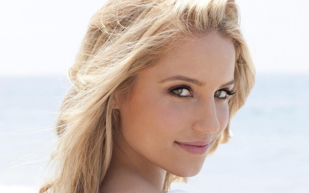 dianna-agron-face-wallpaper-49965-51650-hd-wallpapers