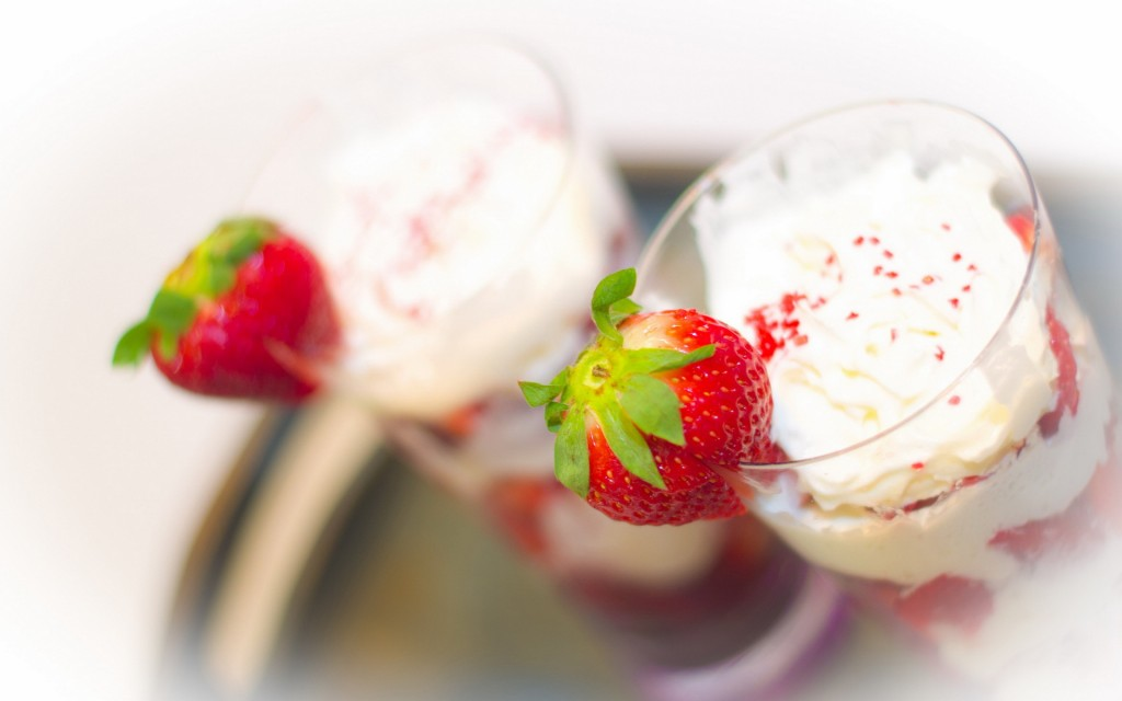 free-whip-cream-wallpaper-42398-43401-hd-wallpapers